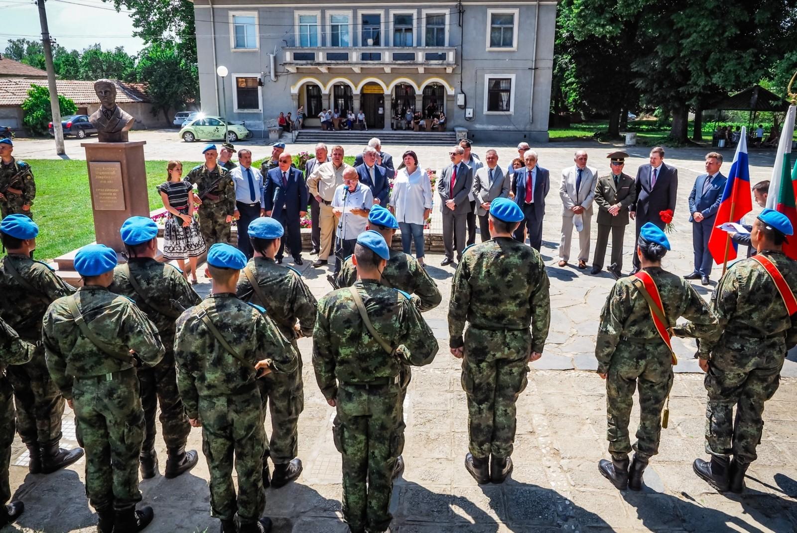 В Болгарии открыли памятник русскому дипломату Алексею Церетелеву