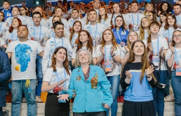 Владимир Путин отметил созидательную работу Волонтеров Победы