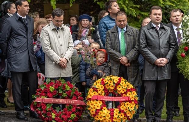 «Бессмертный полк» прошёл в Швейцарии (четверг 9 мая 2019 года Friedhof am Hörnli)