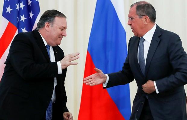 «Практические шаги по исправлению ситуации»: что обсудили в ходе встречи Лавров и Помпео