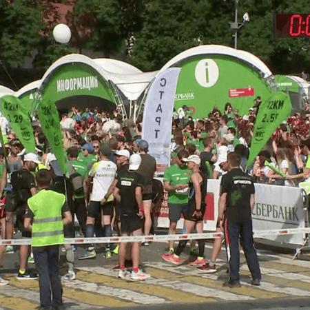 10 тысяч участников собрал в Москве благотворительный марафон «Бегущие сердца»