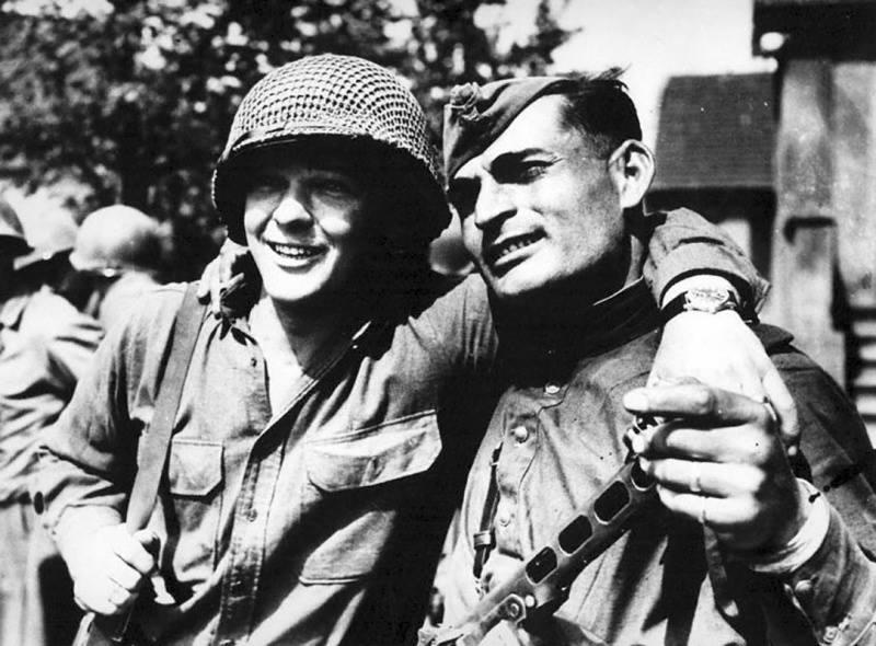 25 апреля 1945 года встреча на Эльбе советских и американских войск