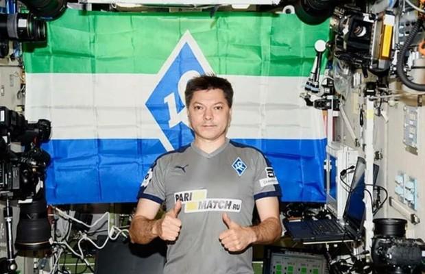 Космонавт Олег Кононенко передает привет Самаре с борта МКС