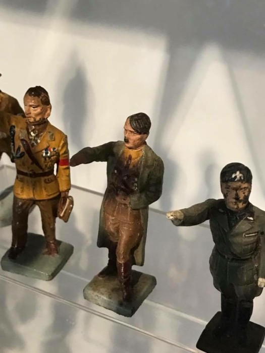 В каких солдатиков играли детишки предвоенной Европы