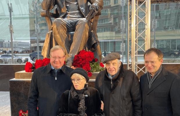 В Санкт-Петербурге открыли памятник писателю-фронтовику Даниилу Гранину