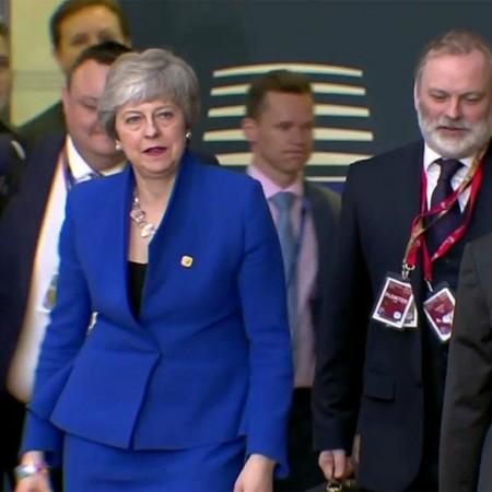 Тереза Мэй сложила полномочия лидера Консервативной партии