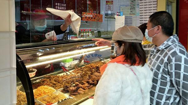 Си Цзиньпин призвал китайцев экономнее относиться к еде