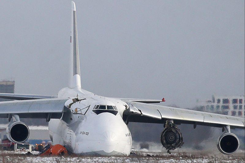 По факту аварийной посадки самолета АН-124 в Новосибирске возбудили дело