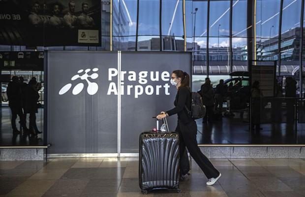 Российские туристы не могут вернуться домой из Европы