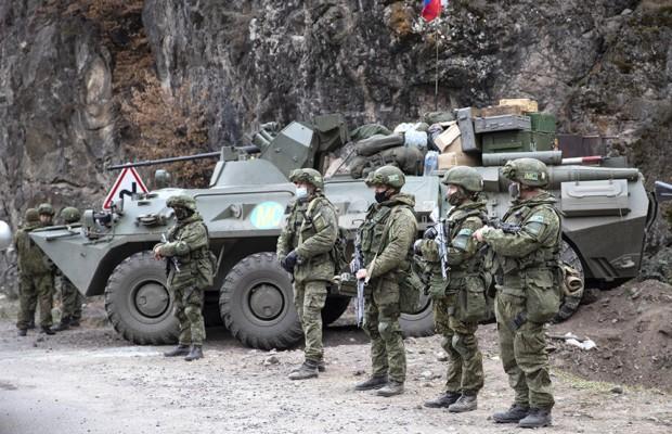 Минобороны РФ начало формирование гуманитарного центра в Степанакерте