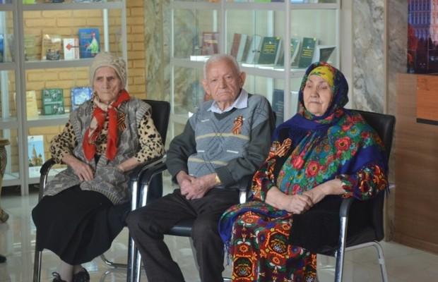 В Душанбе наградили ветеранов Великой Отечественной войны