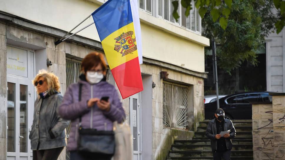 В Молдавии вернули русскому языке статус межнационального