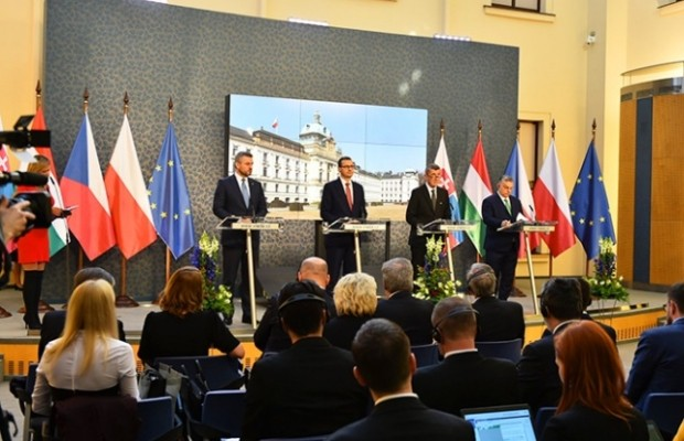 Чехия ввела режим ЧС на 30 дней из-за коронавируса