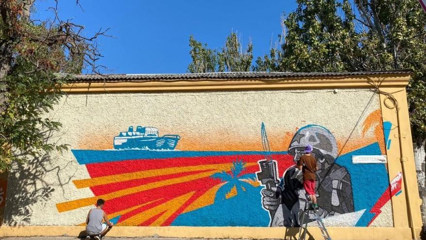 В память о войне: в пяти городах Крыма появились масштабные граффити, посвященные годовщине Победы в Великой Отечественной войне