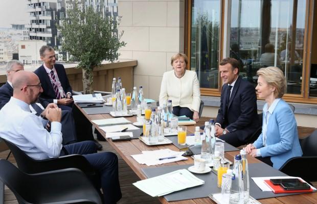 Лидеры ЕС договорились о плане помощи экономике на €750 млрд