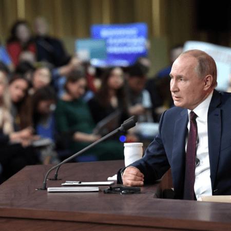 Продолжается прием вопросов и сообщений для большой пресс-конференции с президентом РФ