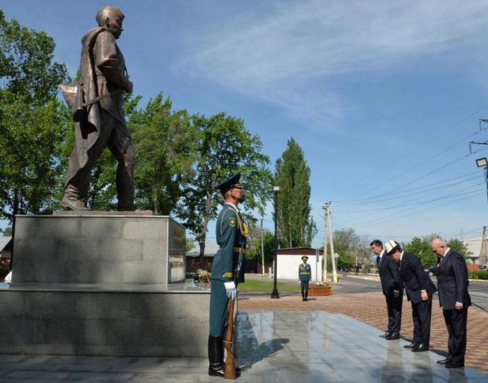 В Бишкеке состоялось торжественное открытие Парка имени Героя Советского Союза Чолпонбая Тулебердиева