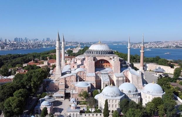 Софийский собор в Стамбуле снова становится мечетью