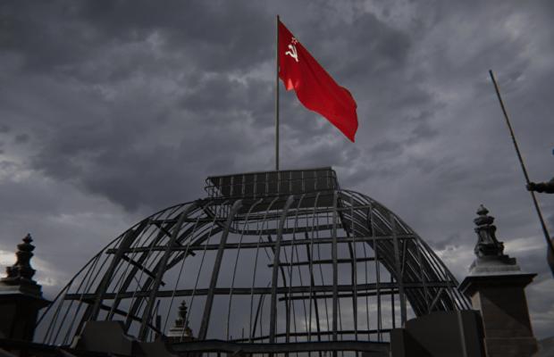 VR-реконструкция «Неизвестный знаменосец» в приложении РИА.Lab позволяет прожить историю советского солдата