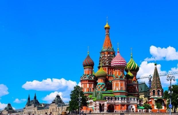 Граждане 113 стран смогут въезжать в Россию без необходимости оформлять бумажную визу в паспорт