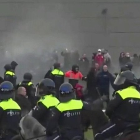 В Европе демонстранты протестуют против ужесточения коронавирусных ограничений