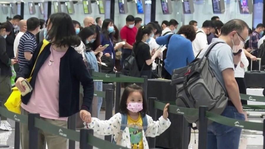 Прямой авиарейс из Москвы в Пекин превращается в три недели испытаний
