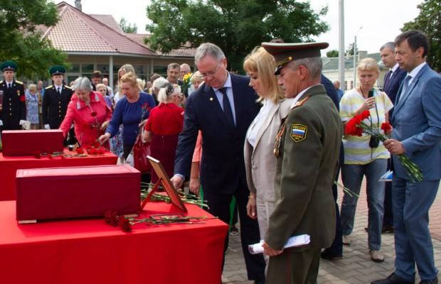 В Эстонии прошла церемония передачи в Россию останков красноармейцев