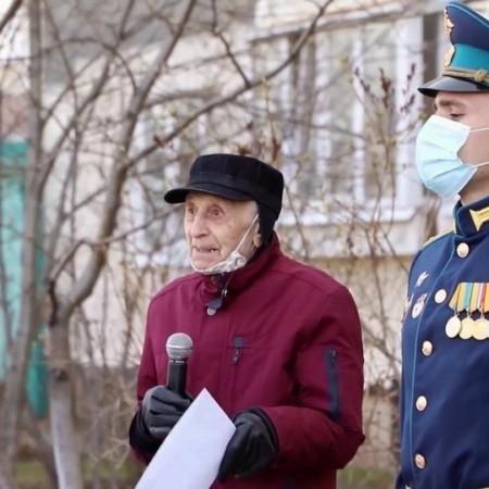 В преддверии 9 мая по всей России чествуют ветеранов
