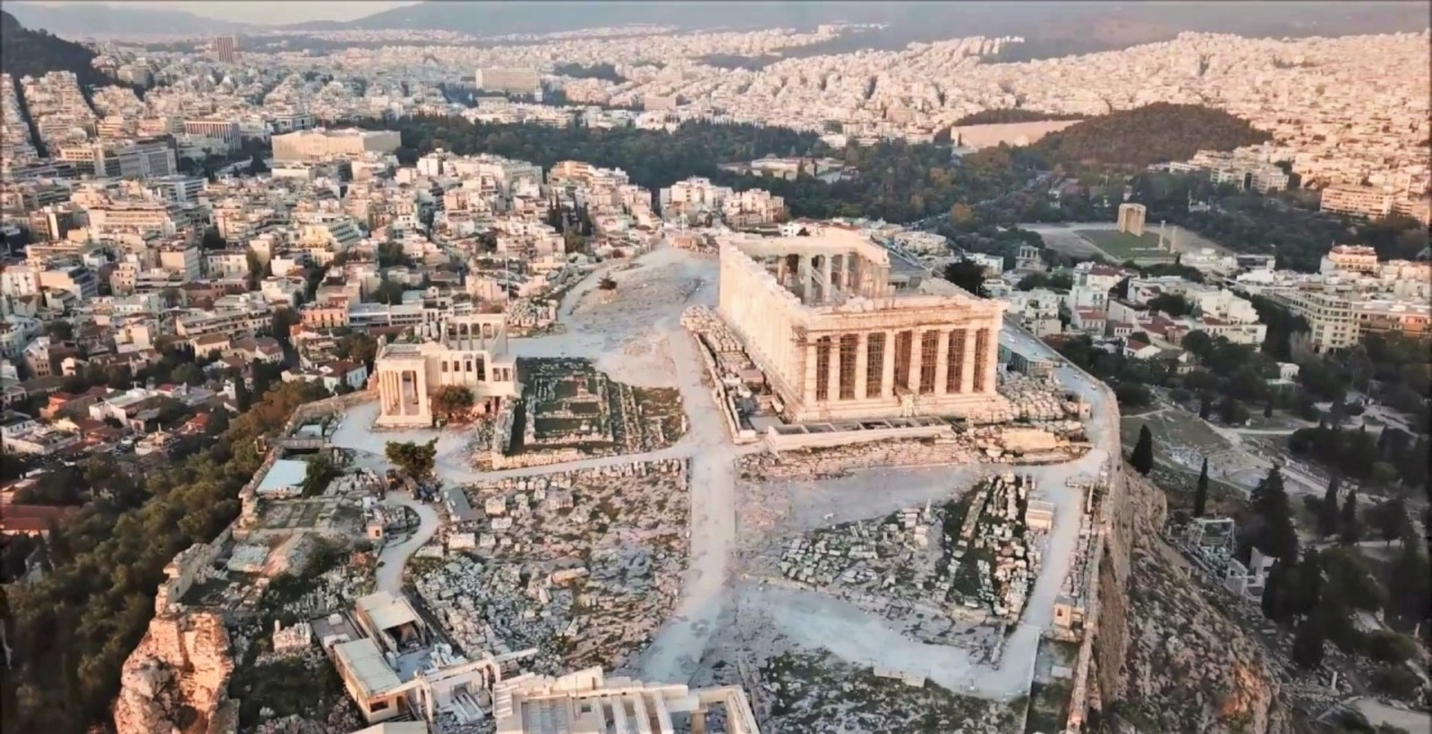 До 5 апреля Греция принимает до 4000 россиян в неделю