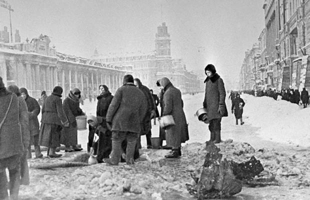 В Санкт Петербурге вспоминают подвиг жителей и защитников блокадного Ленинграда